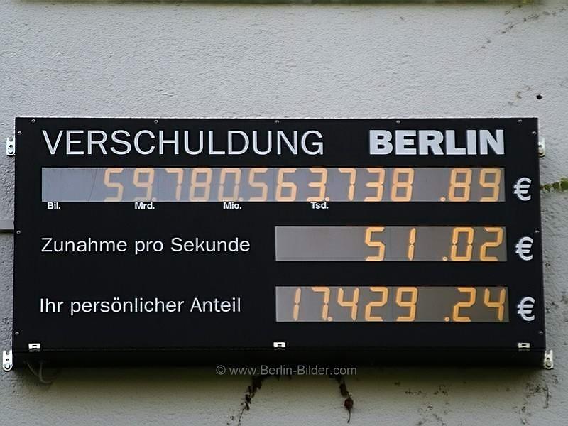 bilder aus berlin und potsdam typisch berlin berliner schuldenuhr am 1 juni 2009 berlin. Black Bedroom Furniture Sets. Home Design Ideas
